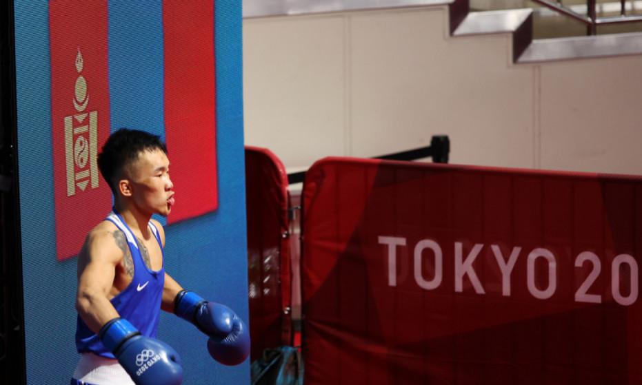 Э.Цэндбаатар Вьетнамын боксчныг илт давуу ялж шөвгийн наймд шалгарлаа
